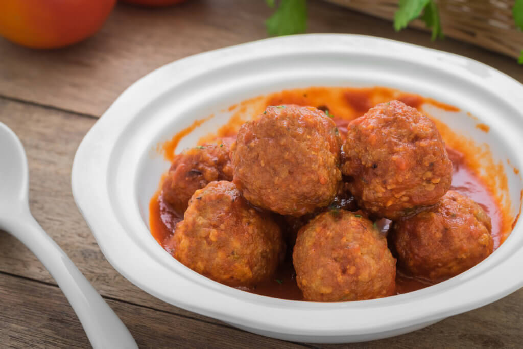 Receta de albóndigas con tomate para bebés
