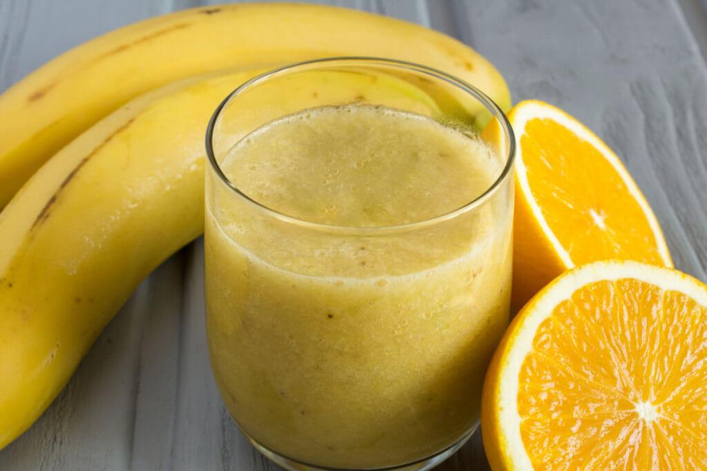 Receta de papilla de plátano con zumo de naranja