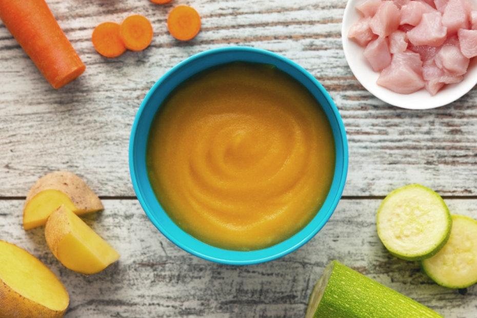 Receta de puré de pollo con calabacín, zanahorias y patatas para bebés