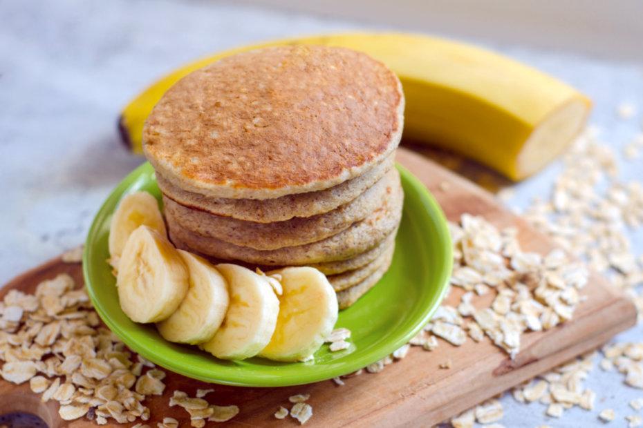 Receta de tortitas de avena y plátano para bebés