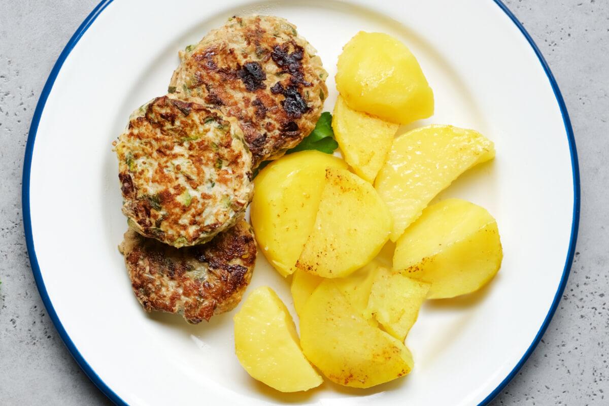 Receta de hamburguesas de pollo y calabacín para bebés