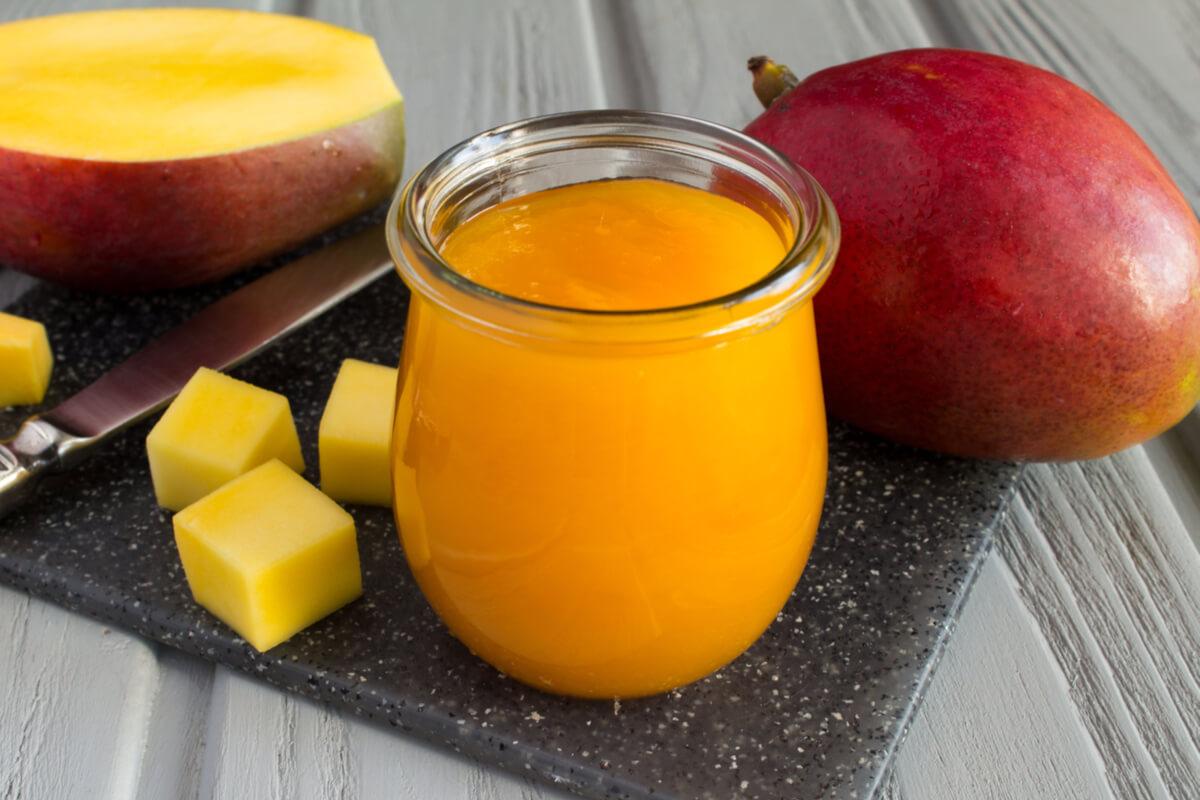 Receta de papilla de mango para bebés