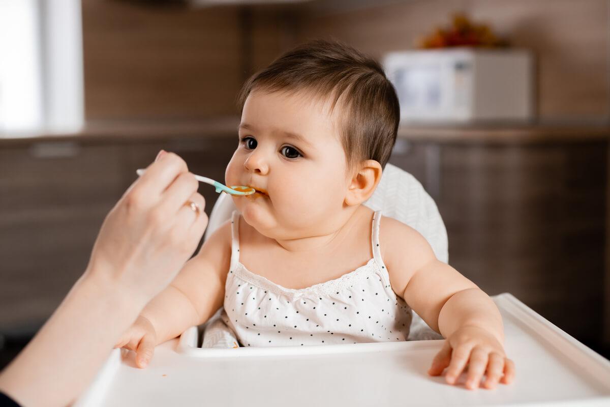 Está comiendo suficiente mi bebé