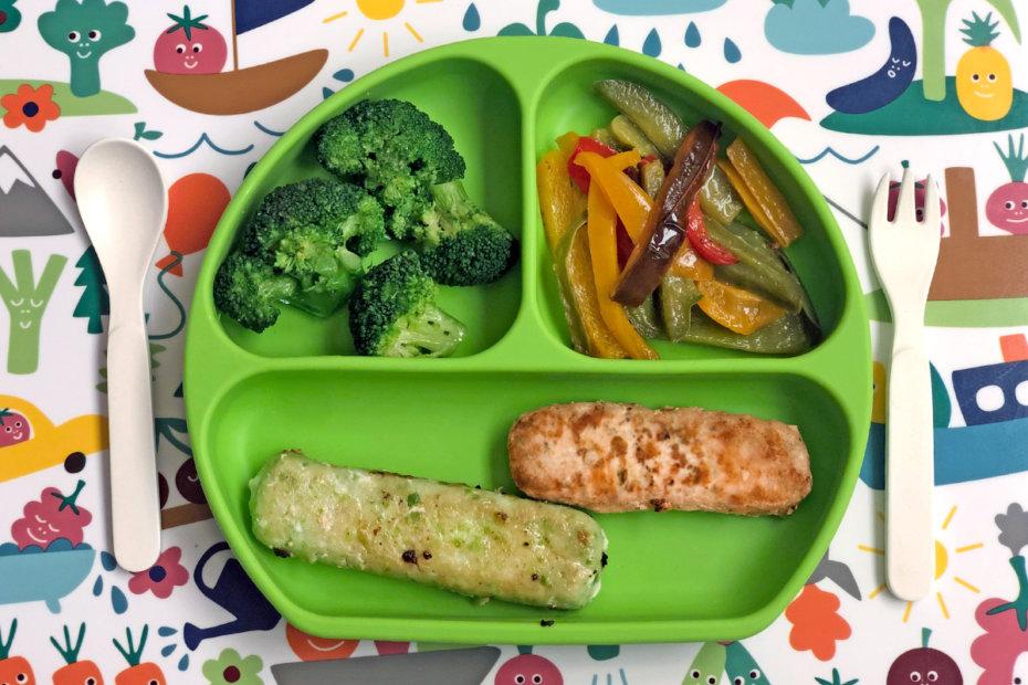 Receta de varitas de merluza y salmón con verduras para blw