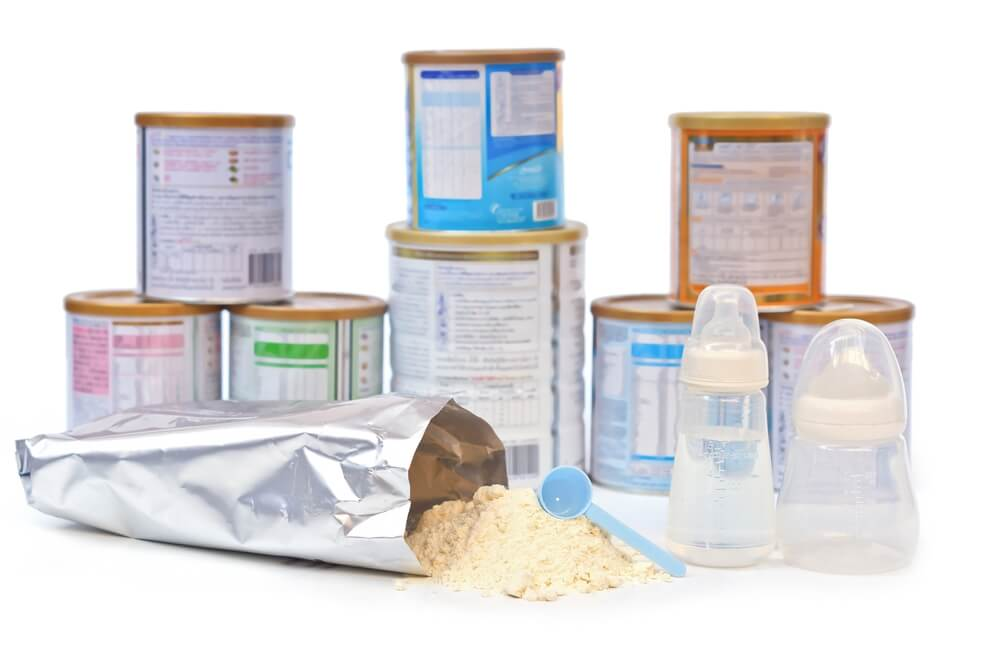 Bootes de leche de fórmula de diferentes marcas