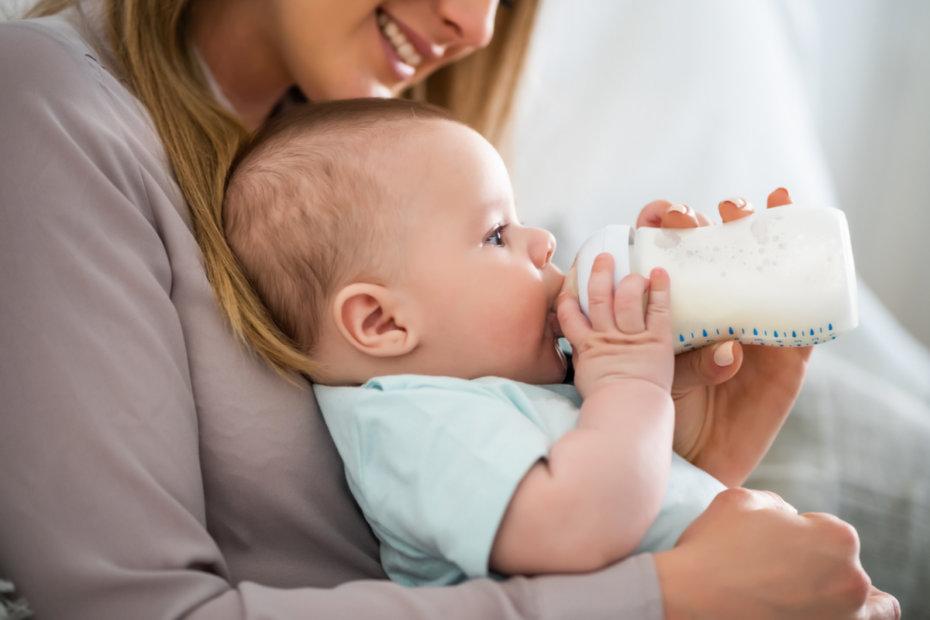 Cómo escoger la mejor leche de fórmula para tu bebé