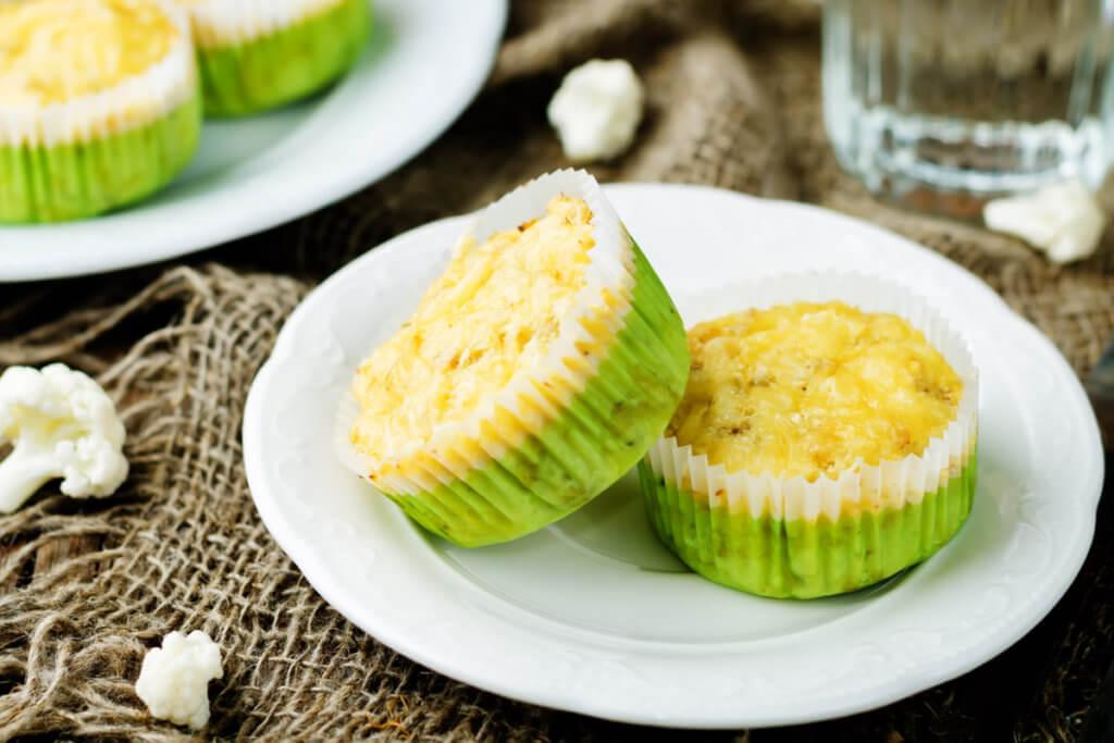 Receta de muffins de coliflor y queso para bebés